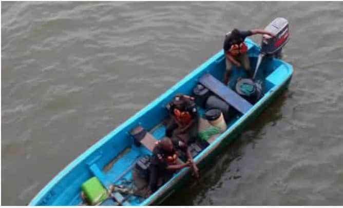 Photo of LASEMA And Police still searching for woman who jumped into Lagos Lagoon (photos)