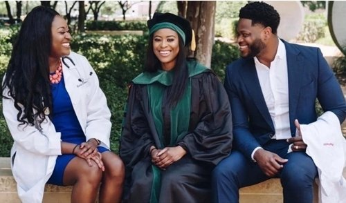 Photo of Moment 3 Nigerian-born siblings realized their dreams of becoming Doctors In USA (Photos)