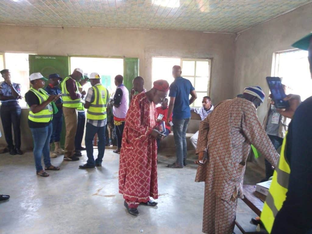 Photo of Ekiti election: PDP, APC in early lead in polling units (details)