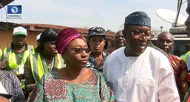 Photo of Ekiti Election: Moment Card Reader rejected Fayemi's Wife's PVC
