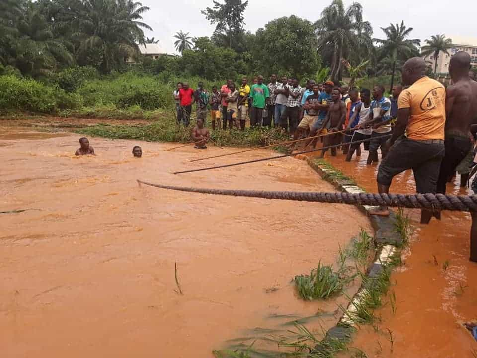 The moment passengers were rescued alive after being carried away by flood in Anambra