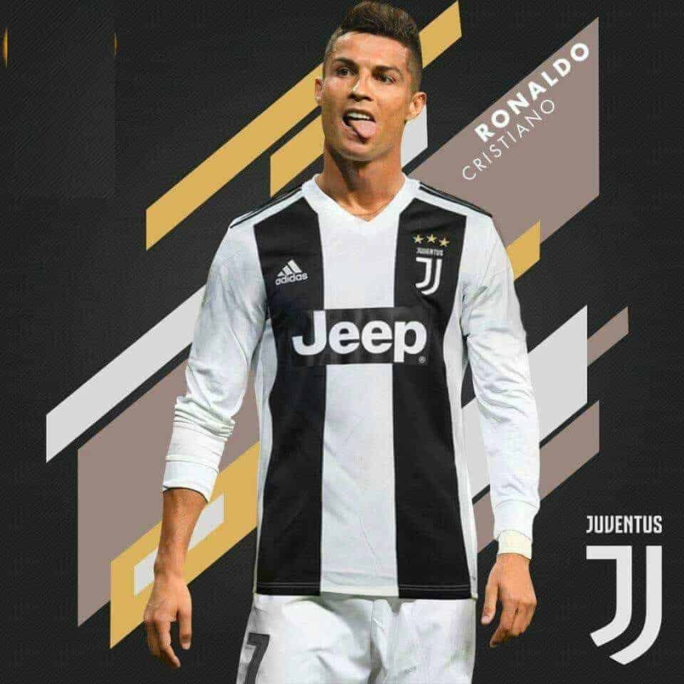 Photo of Cristiano Ronaldo signs for Juventus after passing medical