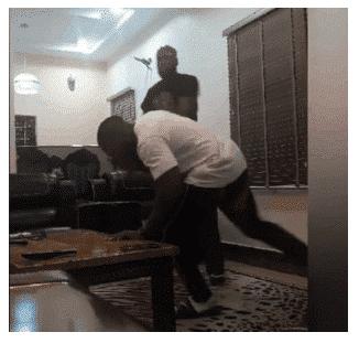 Photo of Rappers, Ikechukwu and brother, Uzikwendu exchange hot slaps