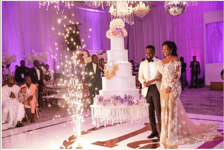 tradition behind wedding cake cutting more photos from sarkodie and tracy sarkcess traditional 21221