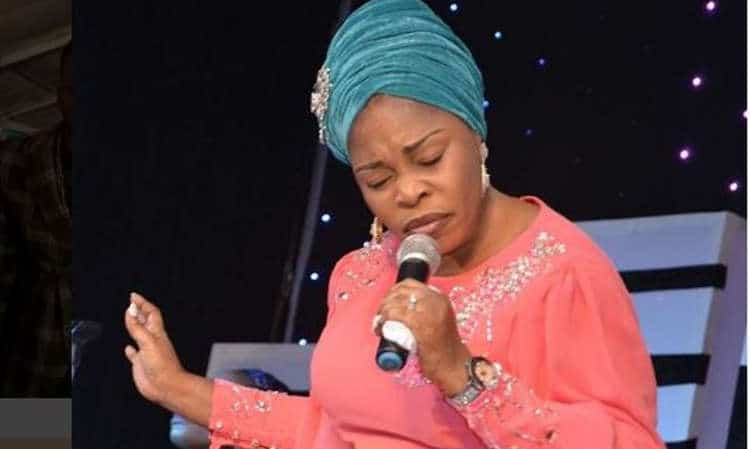 Photo of Tope Alabi reveals why she still uses public transport