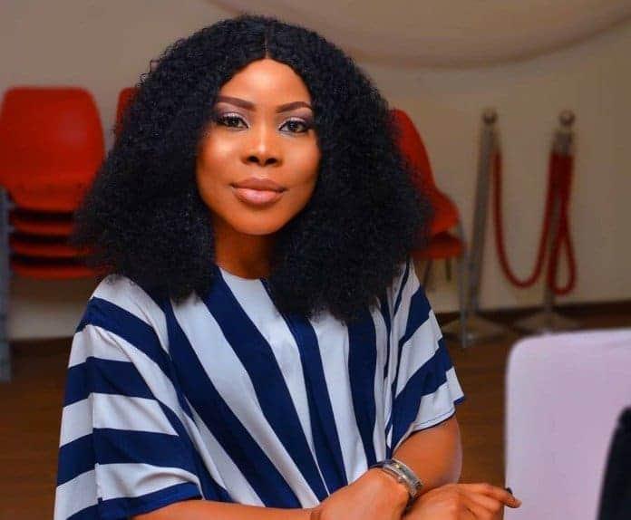 Photo of Actress Uzo Osimkpa begs Nigerians for blood