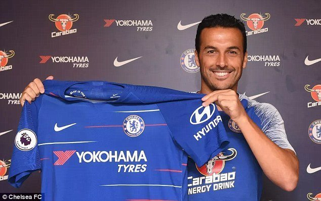 Photo of Pedro signs contract extension with Chelsea