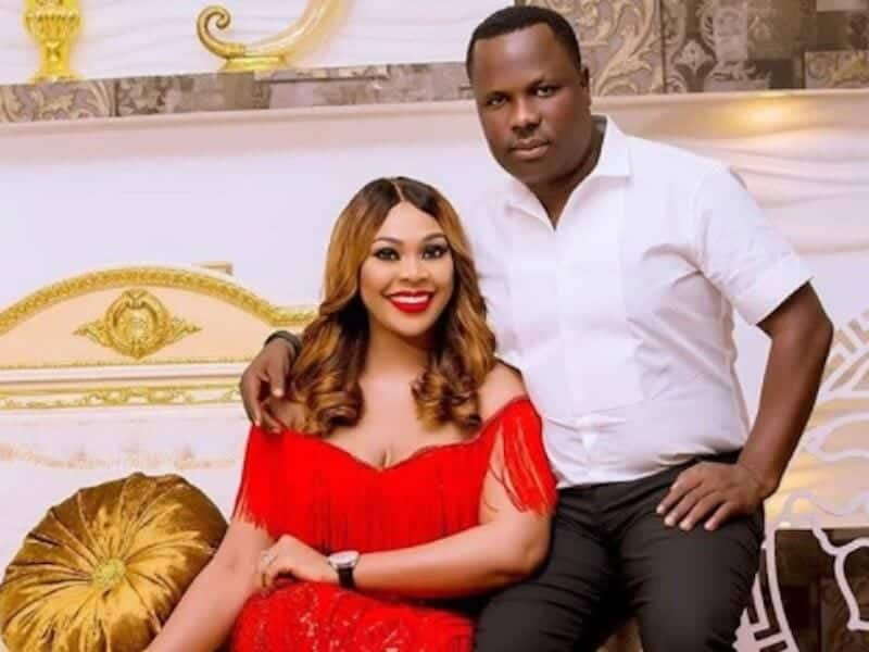 Photo of Kenneth Bramor and Ehi Ogbebor, who gave out cars as their wedding souvenirs, part ways?