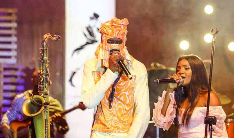 Photo of Simi reveals how she felt performing with Lagbaja on same stage