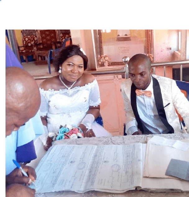 Photo of This Nigerian woman put to bed on her wedding day