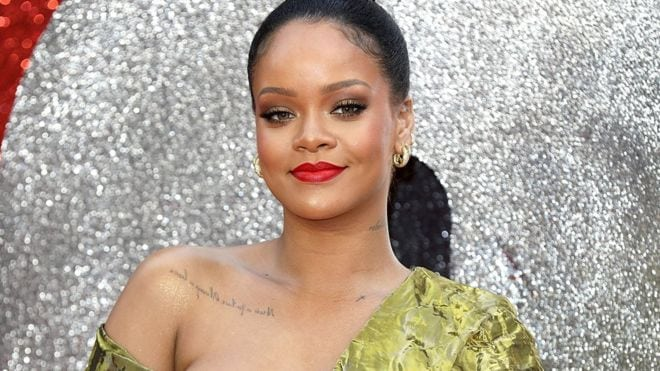 "Photo of Rihanna sues dad over use of ""Fenty"" brand name"