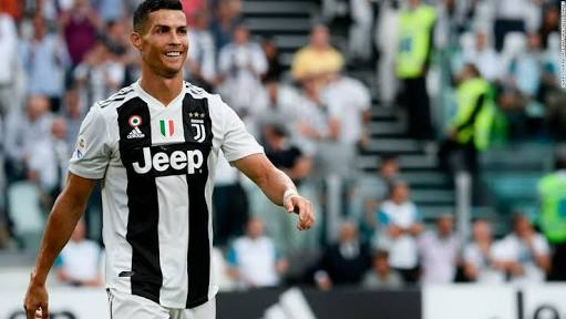 Photo of Ronaldo shines as Juventus beat Napoli