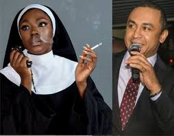 Photo of Daddy Freeze defends Beverly Osu for smoking while dressed as a Catholic Nun