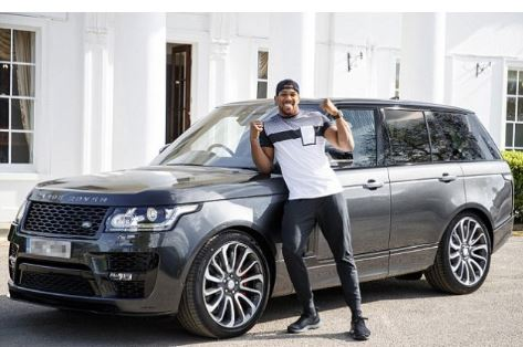 Photo of Anthony Joshua's £150k customized Range Rover stolen