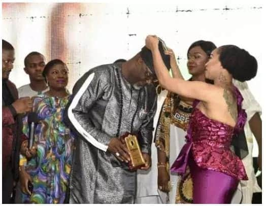 Photo of Tonto Dikeh decorates Dino Melaye as 'outstanding lawmaker of the year' (Photos)