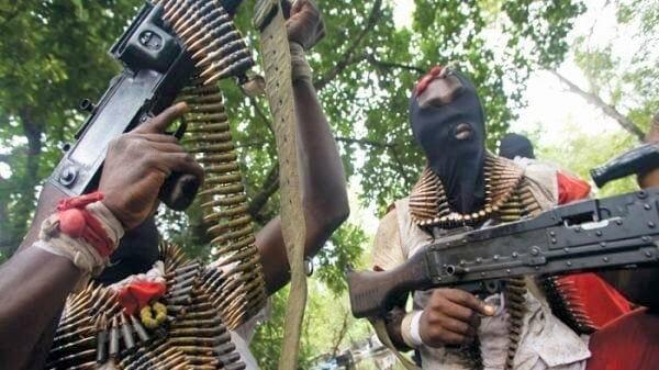 Photo of Gunmen kill Akeredolu in Ekiti, wife hospitalized