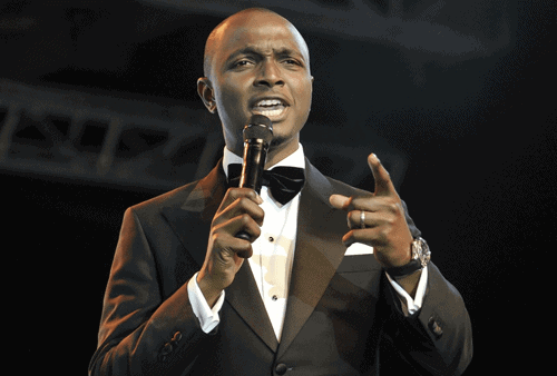 "Photo of AMVCA host, IK Osakioduwa apologises for calling Falz's dancers ""irresponsible"""