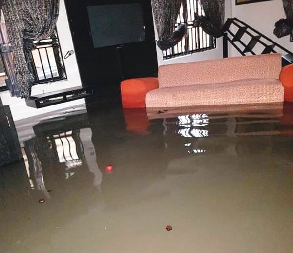 Photo of Saturday flood causes Lekki residents to lose valuables