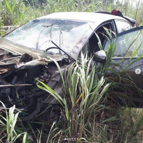 Photo of Lady and her friend unscathed after their car somersaulted severally