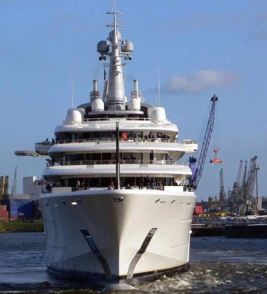 Photo of Pictures of the luxurious yacht owned by Chelsea owner, Roman Abramovich