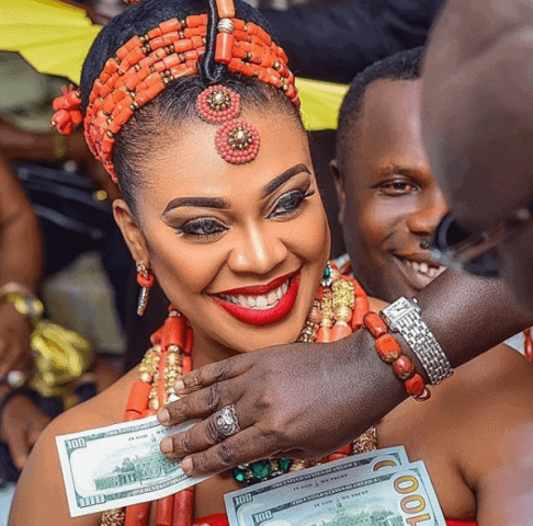 Photo of Anyone caught spraying Naira at weddings will be sent to jail (details)