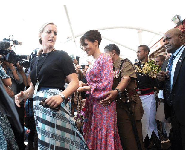 """Photo of How Meghan Markle was rushed out of Fiji market due to """"security risk"""""""