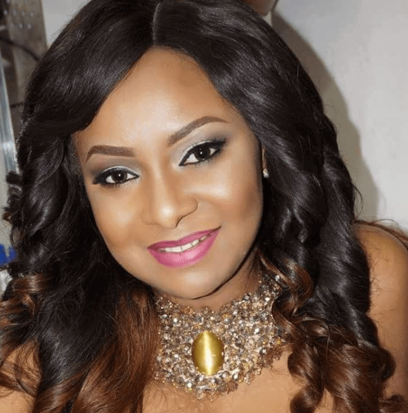 Photo of How actress Victoria Inyama reacted after troll told her to shut up