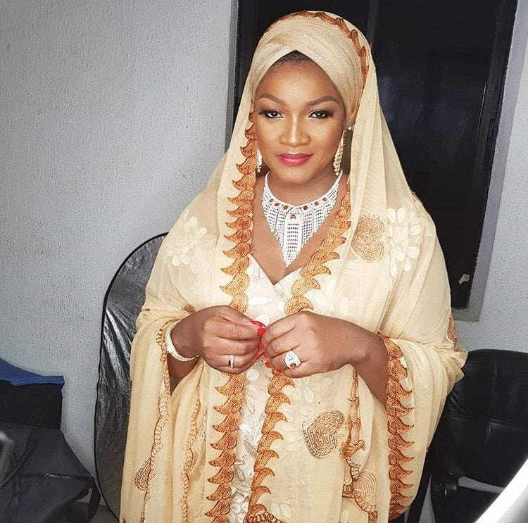 Photo of Omotola Jalade-Ekeinde reveals she was born Muslim