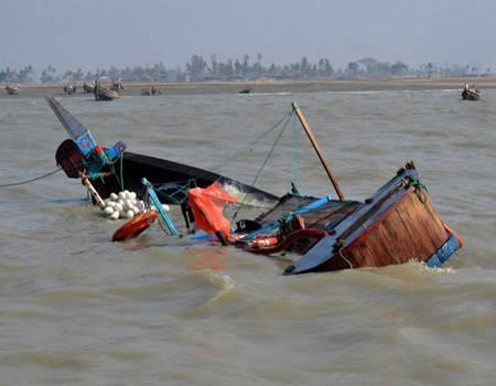 Photo of 11 people die as boat capsizes in Ogun state