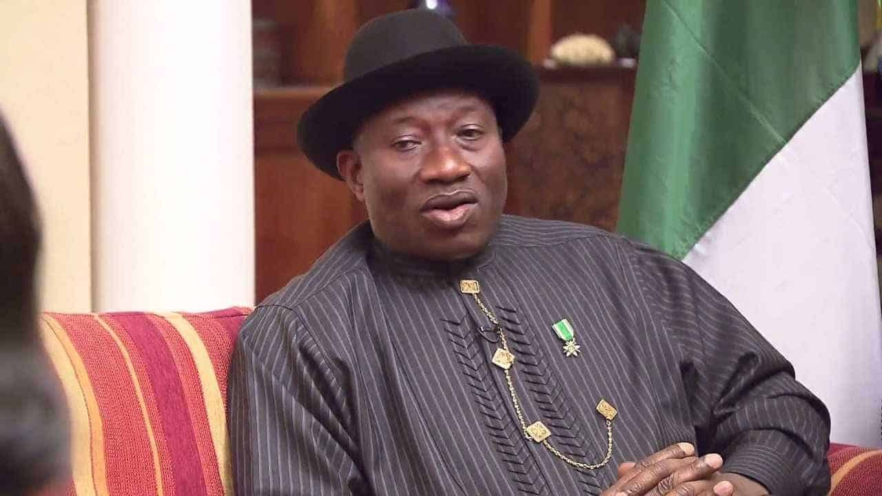 Photo of Goodluck Jonathan makes touching revelations on May 29, 2015 in 'My Transition Hours' book