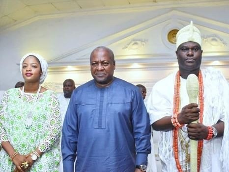 Photo of Former Ghanian President, John Dramani Mahama visits Ooni of Ife