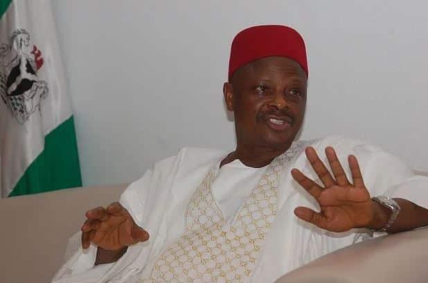 Photo of Kwankwaso reveals what he did concerning Ganduje bribe video