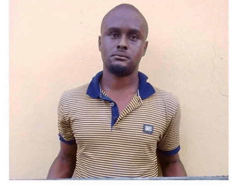 Photo of Dad defiles his 2-yr-old daughter