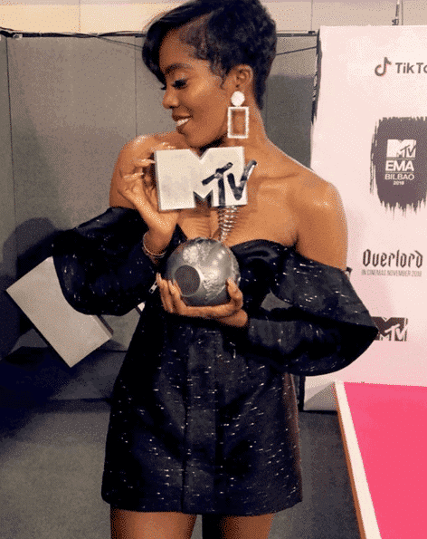 Photo of Tiwa Savage beats Davido to win Best African Act at MTV EMA