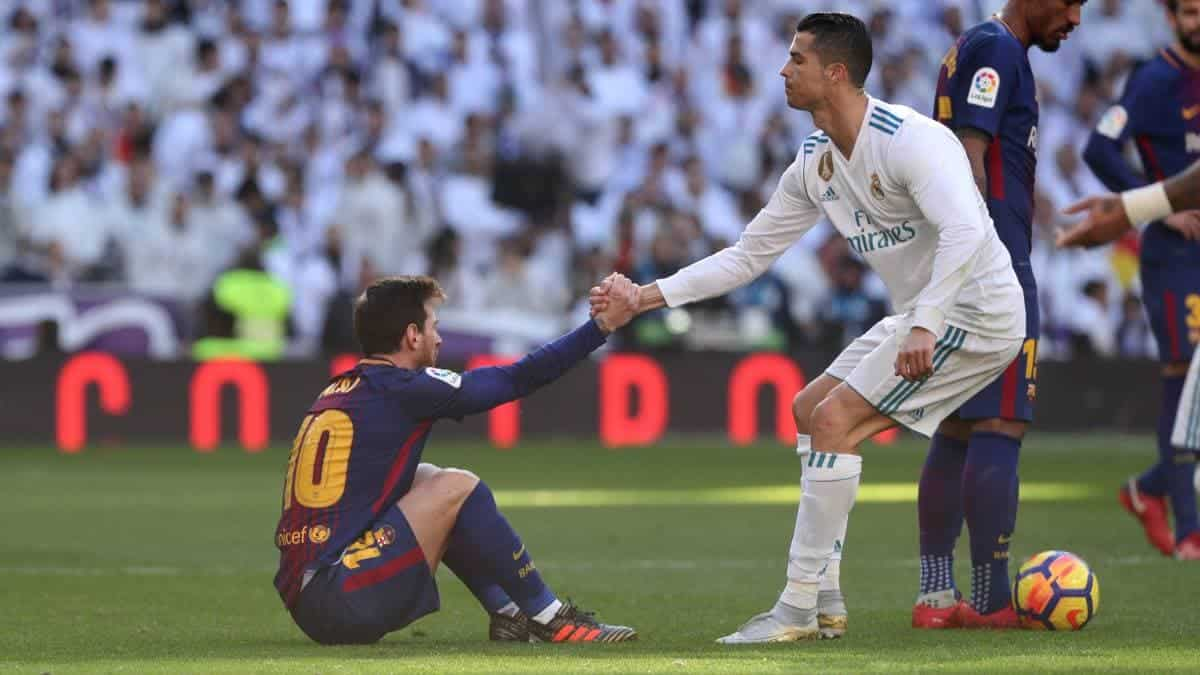 Photo of Ronaldo invites Messi to join him in Serie A