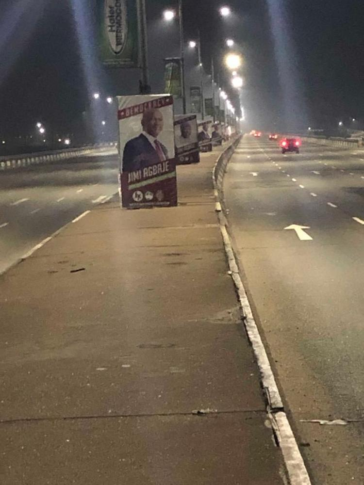 Photo of LASAA officials allegedly caught defacing Agbaje's campaign posters