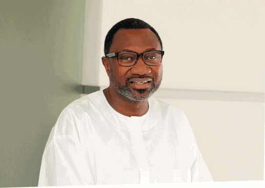 Photo of Femi Otedola calls Broda Shaggi his son-in-law after he locked lips with DJ Cuppy (Video)