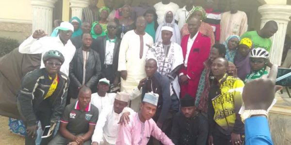 Photo of Hundreds of Muslims celebrate Christmas at pastor's house in Kaduna