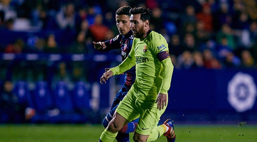 Photo of Messi scores hat trick as Barcelona spank Levante