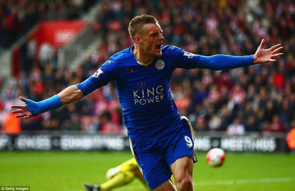 Photo of EPL: Vardy shines as Leicester City beat  Everton
