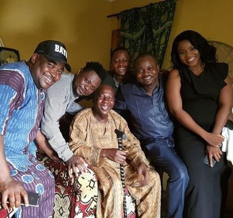 Photo of More photos from visit to ailing Baba Suwe (Photos)