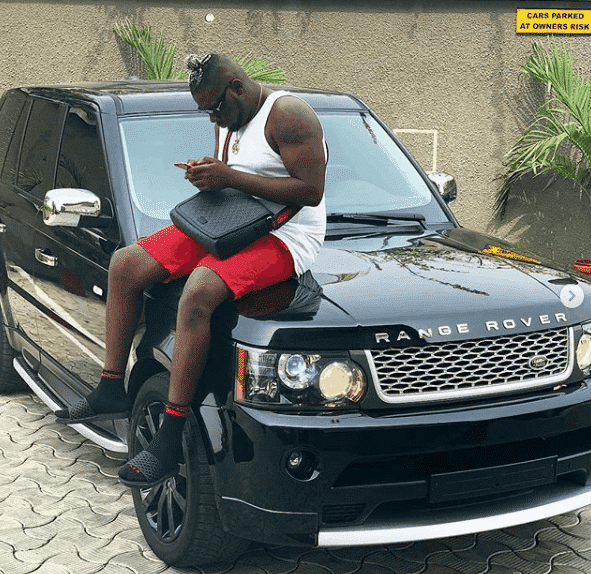 Photo of D'Banj gifts upcoming artiste a Range Rover