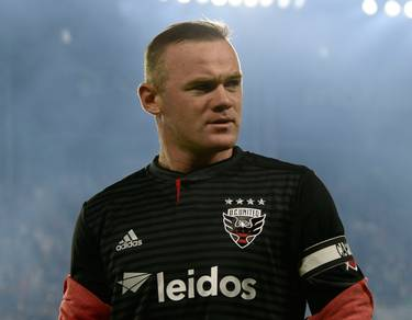 Photo of Rooney expressed displeasure at prospects of Liverpool winning EPL title