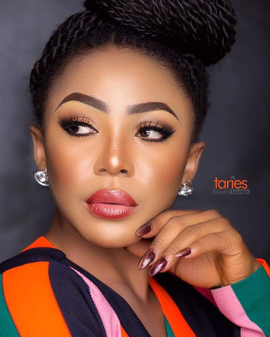 Photo of Ifu Ennada clarifies her claims on making N5million everyday