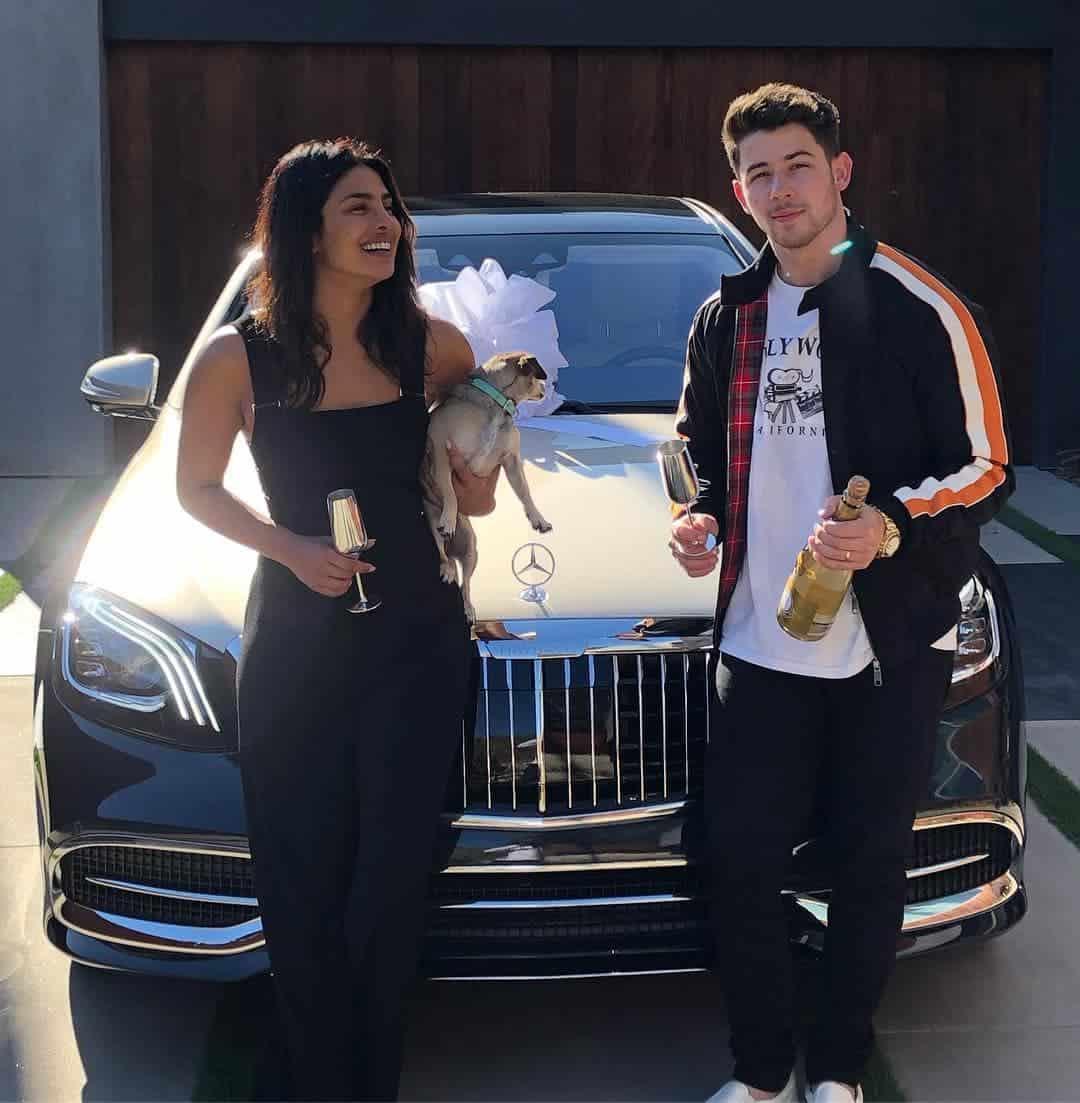 Photo of Priyanka Chopra gets surprised with a brand new Maybach by her husband Nick Jonas (Photos)