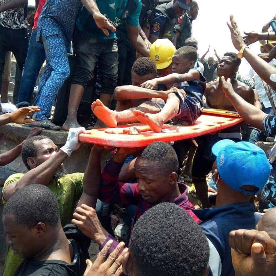 Photo of BREAKING: Many feared dead/trapped as another building collapses in Lagos Island