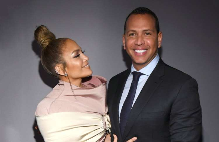 Photo of Photos of all the engagement rings Jennifer Lopez has received from men