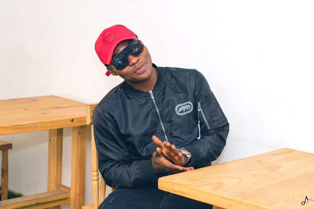 Reekado Banks called out by a lady for alleged fraud