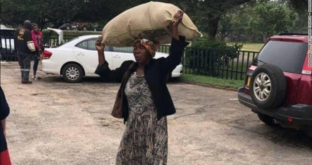Photo of Mozambique cyclone: Billionaire rewards grandma for selfless act towards victims