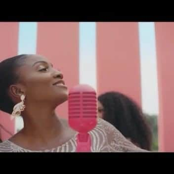 Photo of Simi releases video for chill tune, 'Ayo'